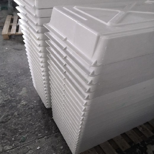 建誠歐式產床保溫罩,江西建誠玻璃鋼產床保溫罩性能可靠