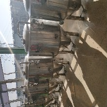 啤酒厂啤酒设备?#27426;?#21860;酒设备啤酒设备厂家图片