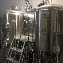 精酿啤酒设备生产厂家500升啤酒屋精酿啤酒设备图片