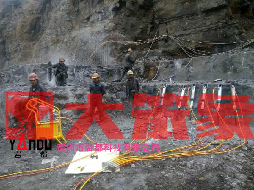 廈門劈裂棒基坑開挖巖石劈裂器一天開多少噸
