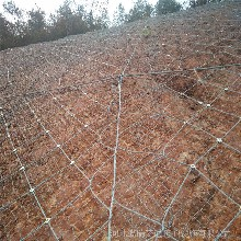 钢丝绳柔性护山主动防护网缆瑞供应商图片
