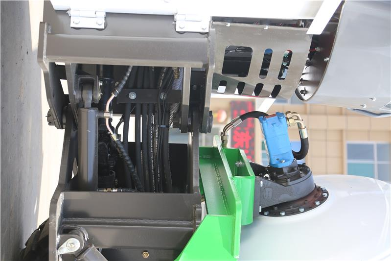 长沙原装自动上料搅拌车