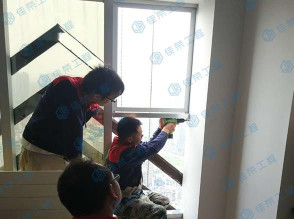 廈門玻璃幕墻漏水換膠幕墻打膠維修