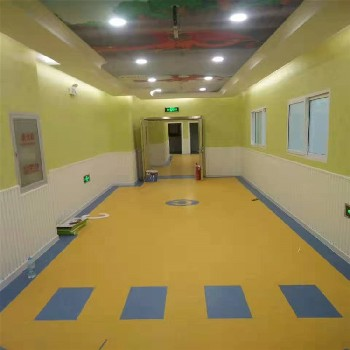 pvc幼儿园塑胶地板 幼儿园拼装地板