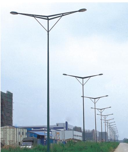 泰州LED路燈廠家11米12米路燈桿整套價格,LED市電路燈多少錢