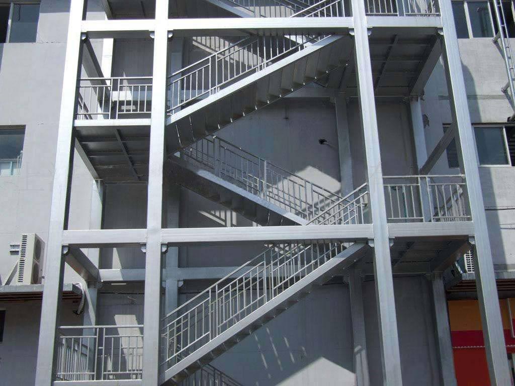 楼梯0.jpg