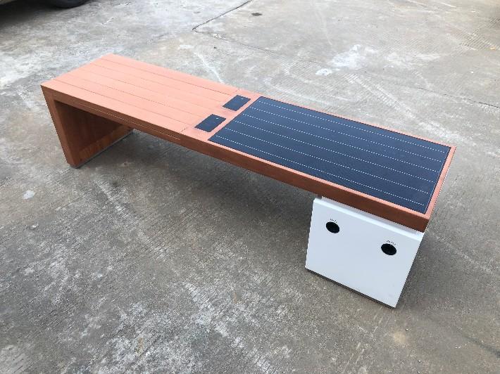 户外太阳能座椅公园座椅太阳能充电座椅.jpg