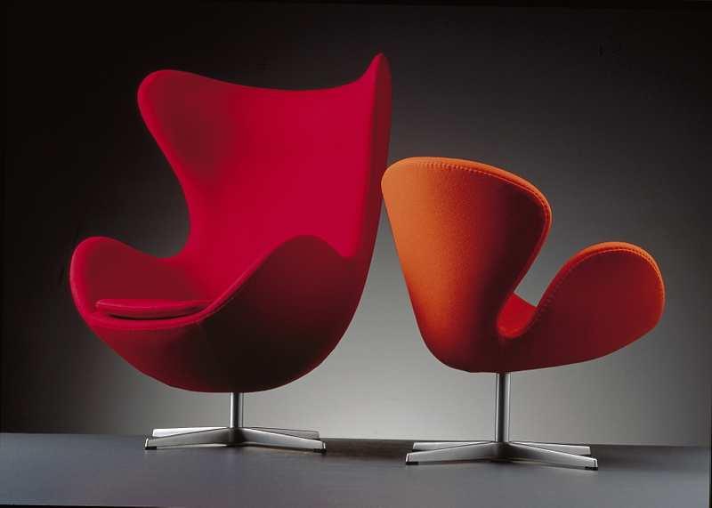 蛋椅,设计师:纳雅各布森,  1958年,为哥本哈根皇家酒店的大厅以及接待