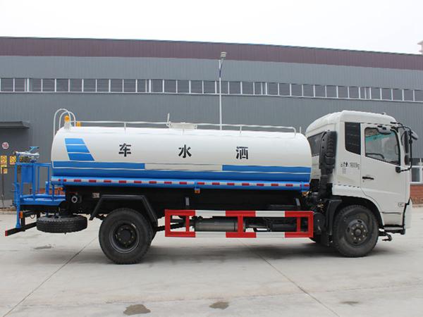 15吨东风天锦洒水车_洒水车哪里买