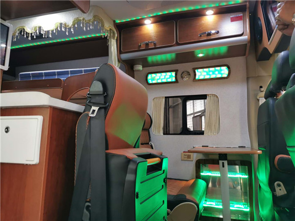 新款东风5座B型房车厂家-B型东风6座旅行车哪儿有卖