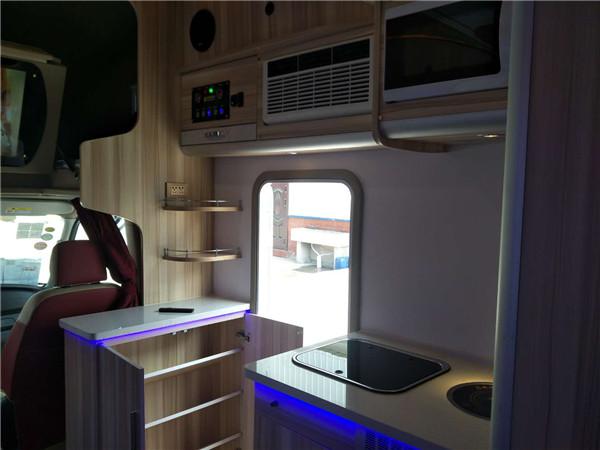 新款依维柯欧胜C型旅居车布局-进口5座6座欧胜房车旅居车图片