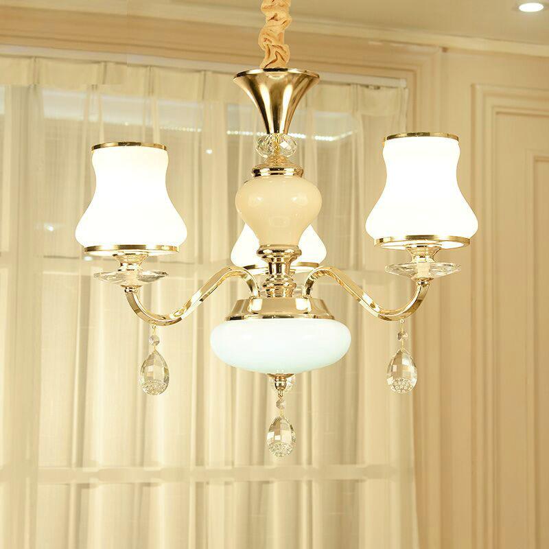 欧式黑色水晶吊灯从材质模型中提供的是一款黑色的水晶吊灯的模型,有