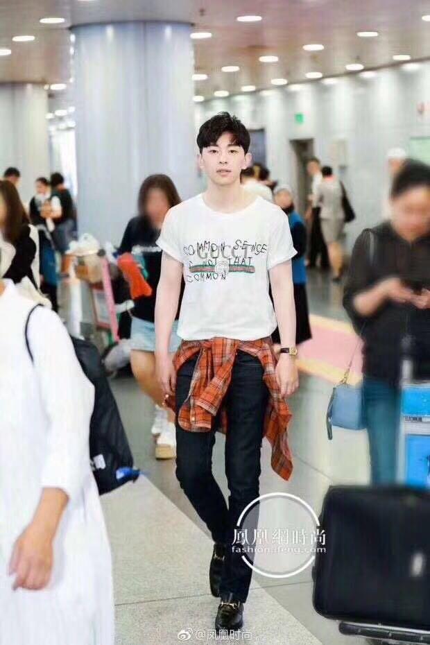 韩国最顶尖奢侈品高仿微商,原单服装哪里拿货