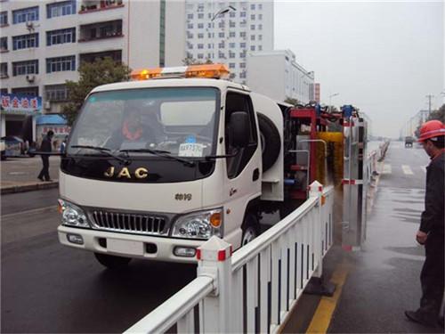 江淮护栏清洗车1 (7).jpg