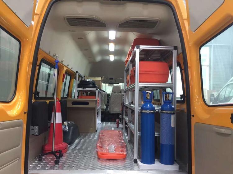 福特V348新時代救險車、氣防車圖片 (5).jpg