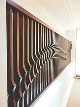 古典仿木紋不銹鋼隔斷屏風定制圖片