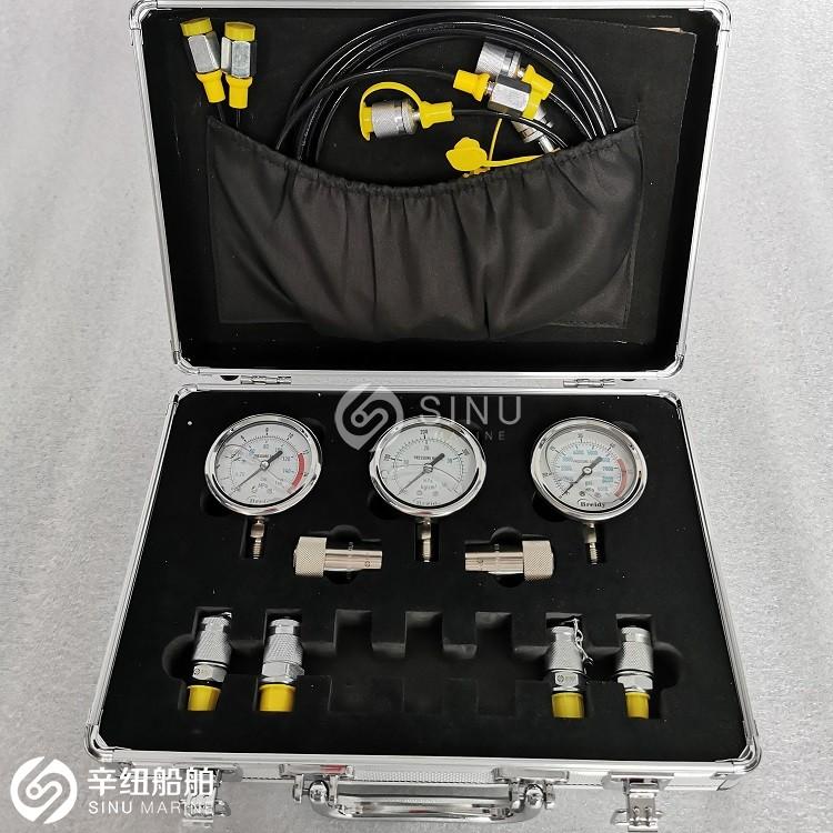 Liquid Filled Fuel Pressure Gauge with case, 0-250Psi,  14 NPT - 副本.jpg