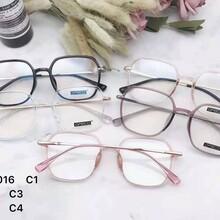 盐山县优视眼镜店为您免费检查视力镜架镜片随意搭配