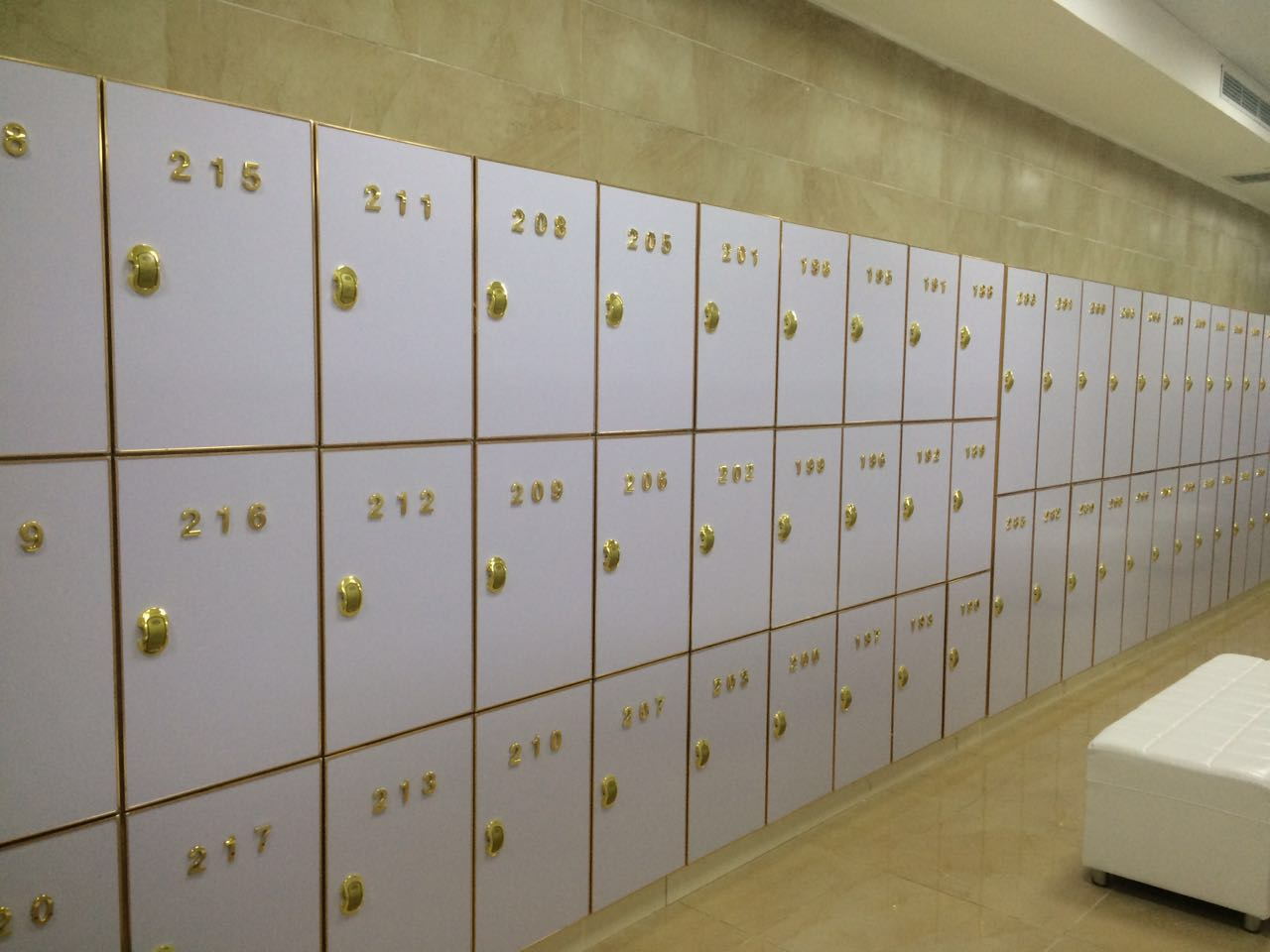 北京大众浴室_门板板式家具木质更衣柜pvc更衣柜大众浴池体育馆更衣柜储物柜文件柜