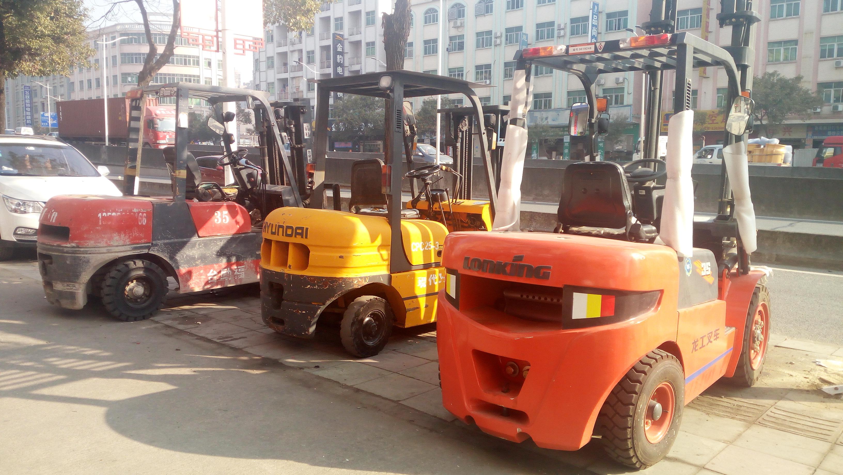 广州哪里有二手叉车卖广州哪里有叉车回收