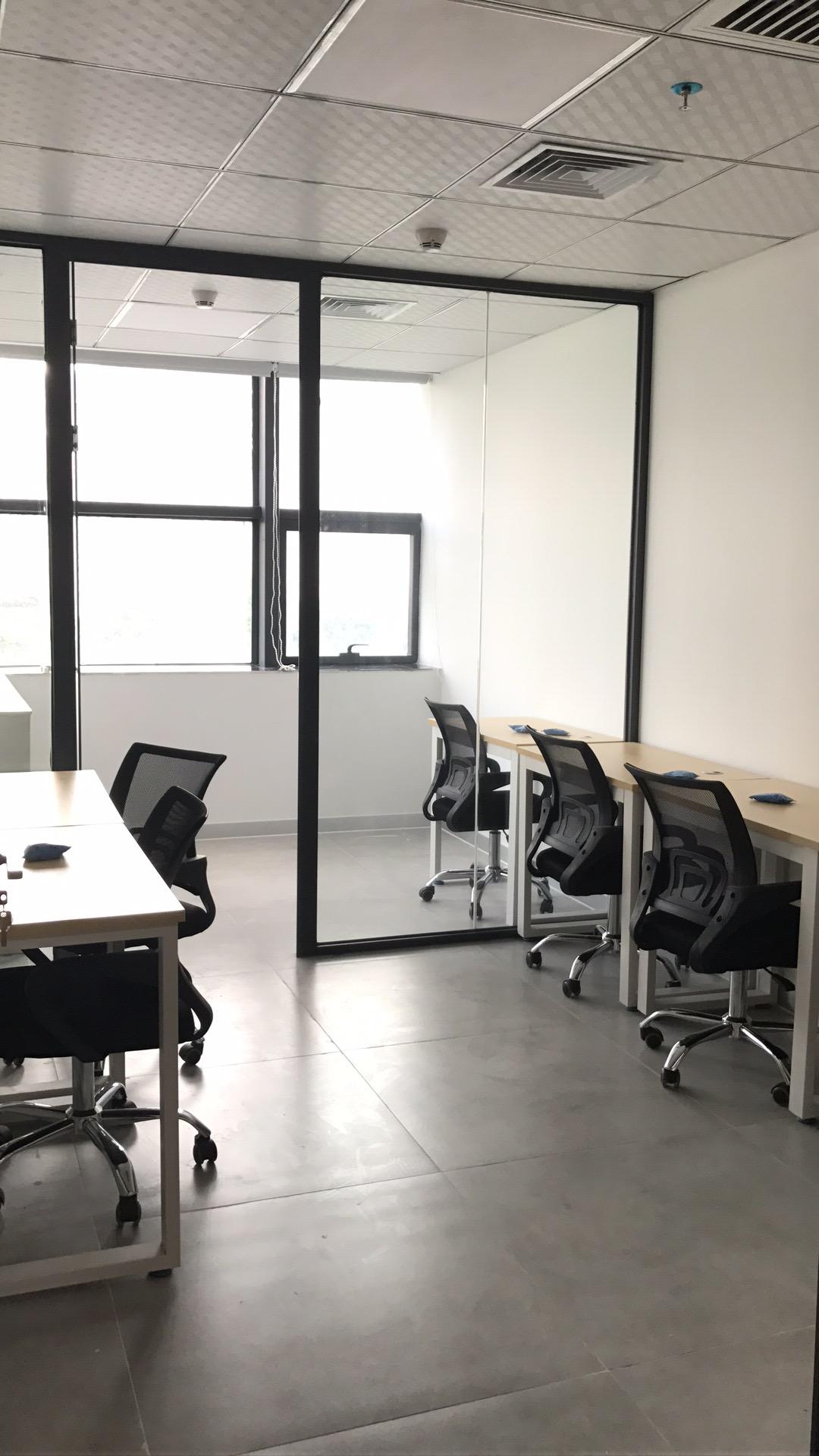 南山中心区花样年美年广场全新装修精装写字楼办公室可注册公司