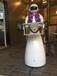 穿山甲女神送餐机器人
