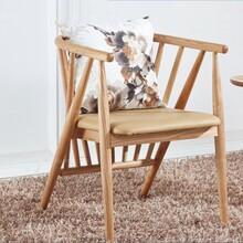 环扶架轻垫座椅_桂林试返惠家具_梧州便闲木椅