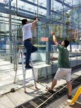 花家地专业更换幕墙玻璃,更换窗户中空玻璃,钢化玻璃图片
