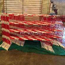 汕尾基坑護欄路橋圍欄燒烤網網架防護欄防撞網PVC圍擋水馬耐用美化安全圖片