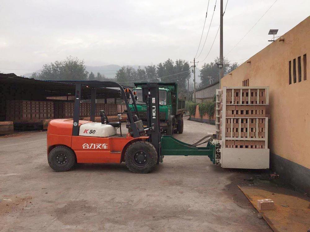 通用叉车属具钟罩式红砖抱砖机供应商