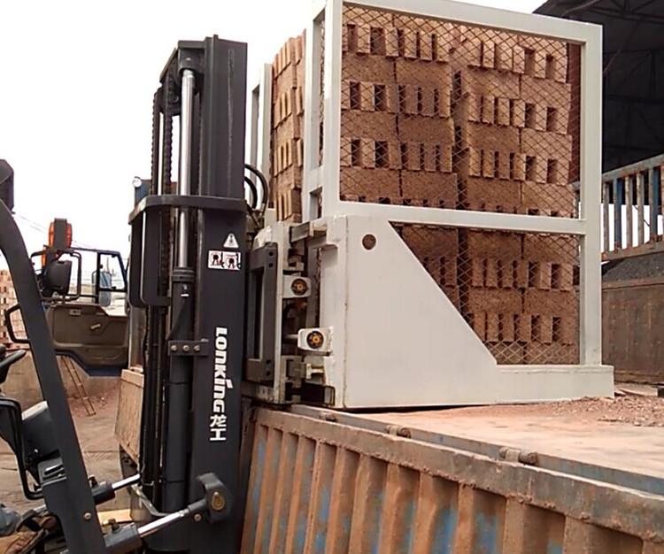 可升降还可伸缩式抱砖机