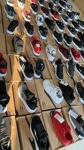 广州运动鞋尾货批发市场各大品牌运动鞋货源找大唐墨林服饰图片