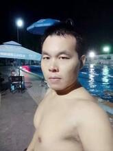 龙岗体育中心学游泳找张教练,专业游泳私人教练