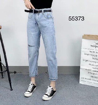 低价处理牛仔裤哪里有工厂库存处理牛仔裤批发河南郑州地摊便宜女牛仔裤批发