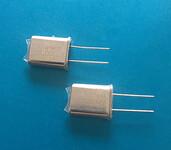 49U晶振封装,12MHz插件晶振图片