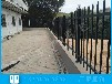 文昌項目部圍墻護欄安裝三橫桿藍白柵欄鋅鋼圍欄