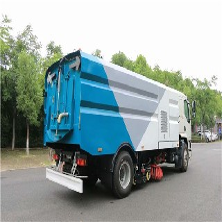 大型清扫车应用图片1