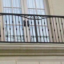 较为罕见的阳台护栏款式,阳台护栏的分类优游平台注册官方主管网站优游平台注册官方主管网站些?天台雕栏范例图片