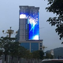 深圳LED格栅屏厂家价格led格栅屏与全彩led大屏幕有啥不一样