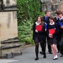 2017年申请英国高中留学的必备条件