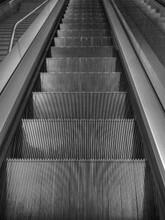 上海杨浦电梯回收D人行道扶梯回收T领先行业图片