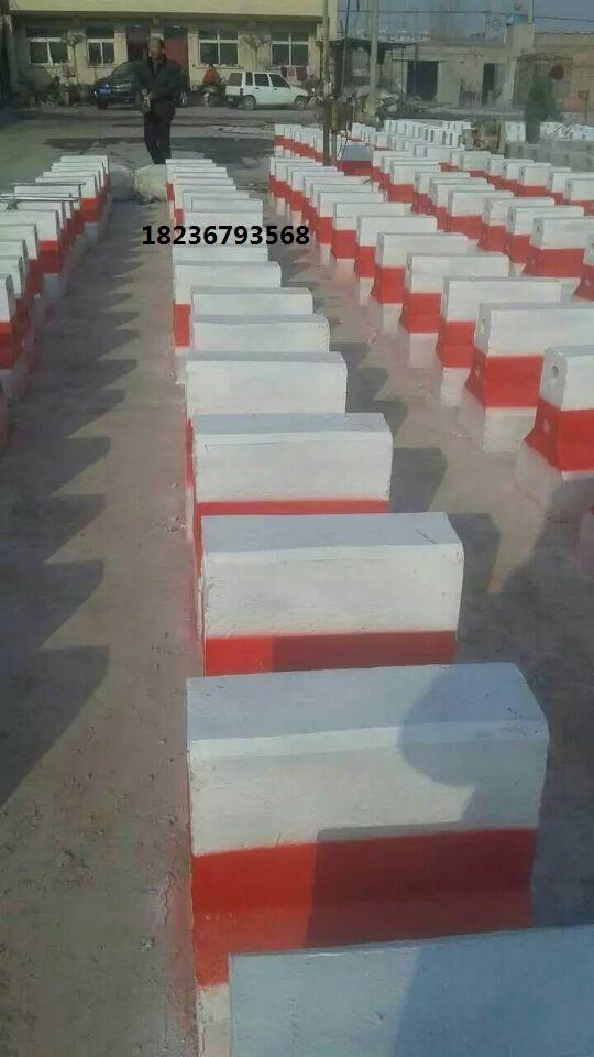 郑州路障隔离墩,水泥制品加工定做