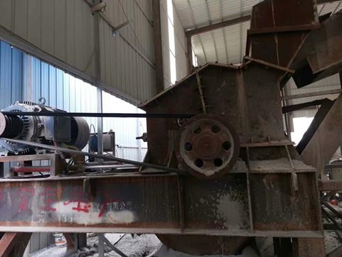 转让二手板锤制砂机破碎机石灰石破碎机青石制砂机