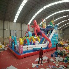 河南好奇星陆地充气项目冲关城堡淘气堡儿童弹跳大型蹦蹦床玩具设备厂家定制