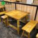 湛江蠔屋燒烤實木餐桌深圳木屋燒烤桌全實木長板凳全實木餐桌