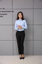 新派威秋季新款通勤商务休闲时尚女士修身版百搭长袖衬衫