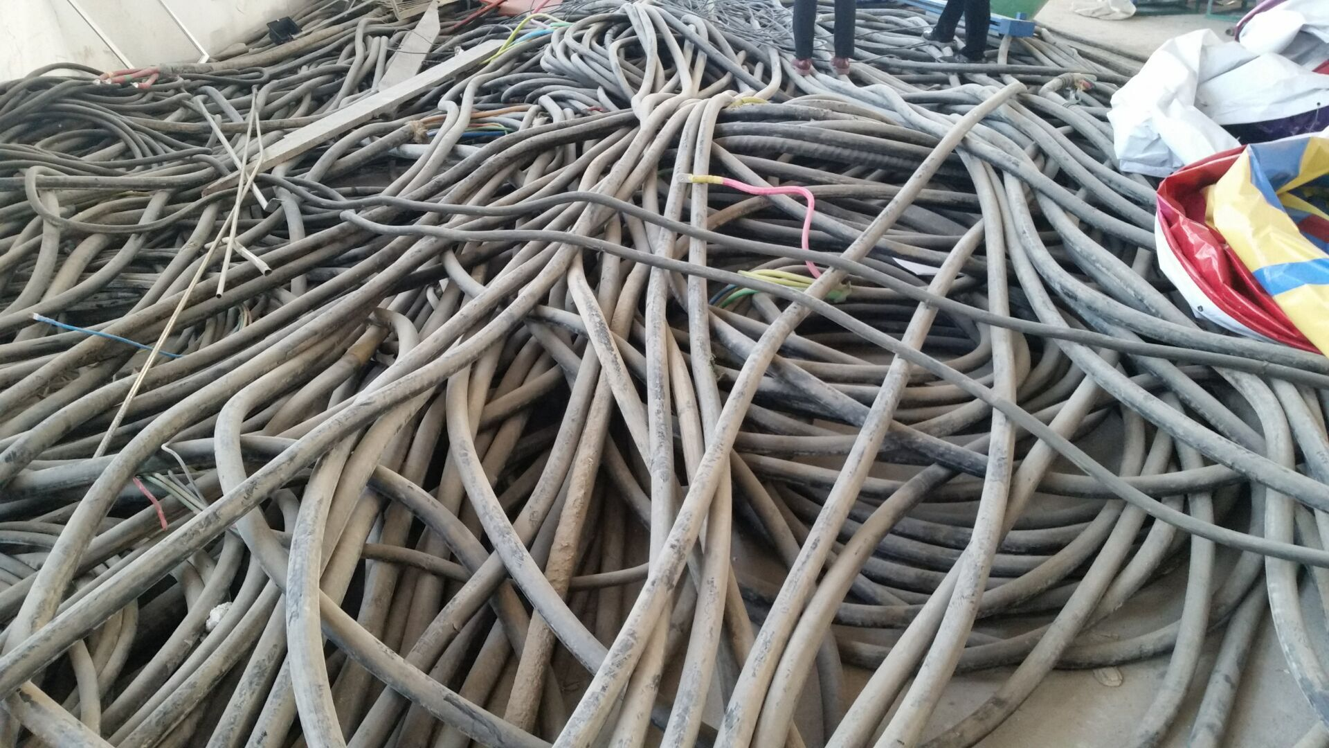 奎屯电缆回收-今年奎屯废旧电缆回收报价更新