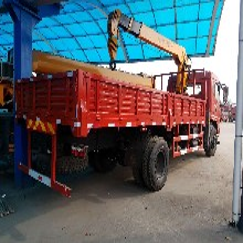 四川广元6.3吨随车吊货箱6米东风底盘国五东风随车吊价格
