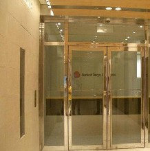北京柳芳安装地弹簧玻璃门朝阳区玻璃门维修安装图片