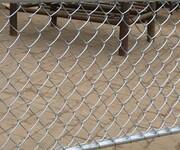 勾花护栏网活络网菱形网球场护栏网图片